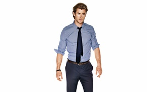 Picture shirt, photoshoot, Chris Hemsworth, Esquire