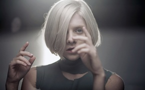 Picture look, style, hands, singer, aurora aksnes