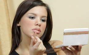 Picture Girl Makeup Lipstick Brunette Sponge Destiny Moody