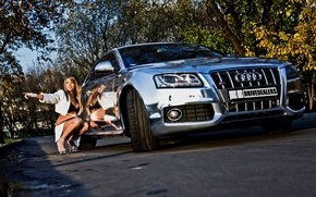 Picture machine, auto, autumn, girl, audi, foliage, blonde, beautiful, sitting, chrome, squat, brilliant