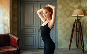 Picture girl, photo, photographer, blue eyes, model, face, room, interior, blond, body, lamp, door, couch, hips, ...