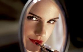 Picture look, makeup, actress, mirror, lipstick, lips, Emma Watson, Emma Watson, brush