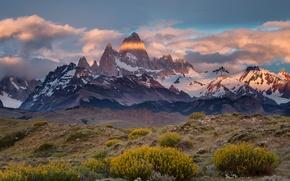 Picture border, Chile, Argentina, Patagonia, the Fitz Roy mountain, desert Monte