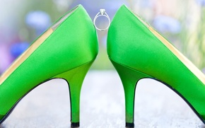 Picture wedding, green, ring, shoes