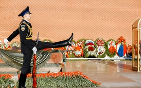 Picture flowers, soldiers, Moscow, Russia, Victory Day, guard, The Kremlin wall, The tomb of the unknown ...