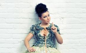 Picture dress, brunette, singer, jacket, Tree, gesture, Elizaveta Ivantsiv