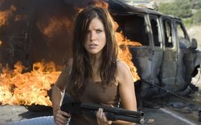 Picture girl, the explosion, fire, the film, The Hitcher, Companion, Sophia Bush