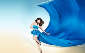 Picture girl, shoes, Milla Jovovich, blue dress, red lips, Milla Jovovich, dress wave