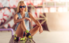 Wallpaper pose, background, figure, blonde, dzhinsovka, hairstyle, shorts, bokeh, mood, girl, glasses, videos