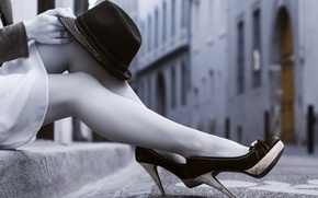 Picture girl, street, feet, hat