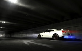 Picture the tunnel, in motion, Nissan, nissan gt-r