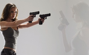 Picture Girl, Weapons, Actress, Glock, Guns, Summer Glau, Terminator The Sara Connor Chronicles