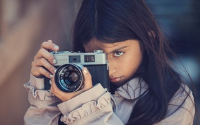 Picture the camera, girl, Focus, Konica