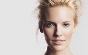 Picture Maggie Grace, Eyes, Gold