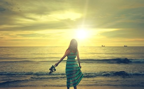 Picture sea, wave, the sky, girl, the sun, mood