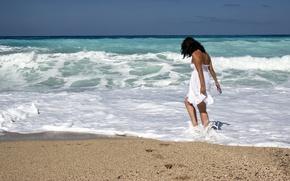 Picture girl, beach, ocean, walking