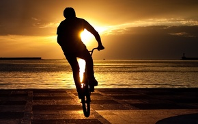 Picture sunset, bike, guy