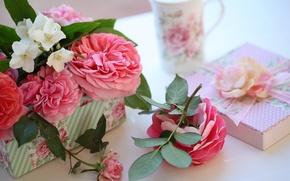 Picture box, gift, roses, © Elena Di Guardo