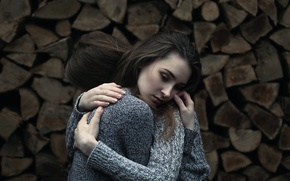 Picture wood, bokeh, hugs, two girl, Vicki Heger