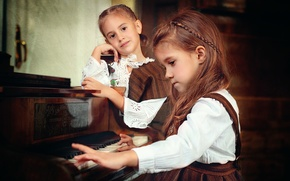Picture girls, keys, piano, Play me a song