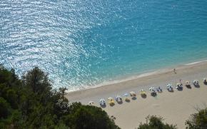 Picture sea, beach, umbrellas