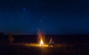 Picture girl, night, the fire, starry sky