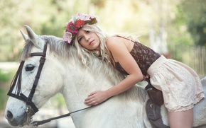 Picture girl, horse, wreath, Nelly Lehtinen, Nelly & Horse