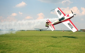 Picture Airshow, Low Fly-By, Zoltan Veres, Extra 300