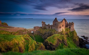 Picture the evening, ruins, Northern Ireland, Antrim County, Dunluce castle