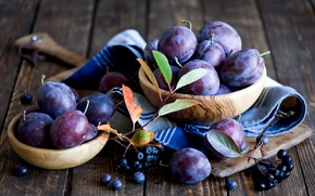 Picture autumn, leaves, berries, dishes, Board, fruit, still life, plum, napkin