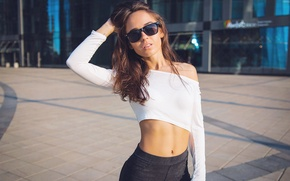 Picture girl, tile, the building, Mike, figure, glasses, navel, beautiful, Victoria Pilipenko