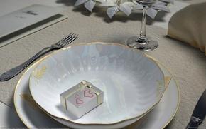 Wallpaper plate, table, gift