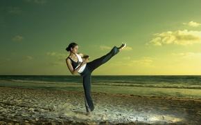 Picture sport, girl, sea