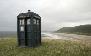 Picture sea, coast, police box