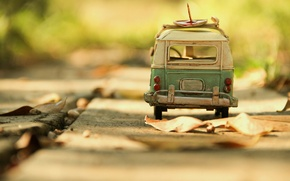 Picture macro, toy, bus