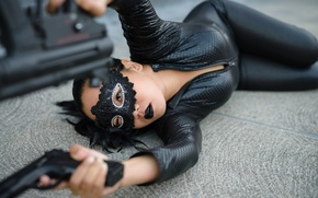 Picture girl, face, pose, weapons, mask, lies
