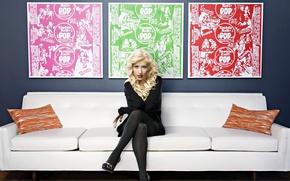 Picture look, sofa, model, interior, picture, actress, blonde, pillow, singer, Christina Aguilera, Christina Aguilera