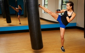 Wallpaper mirror, girl kick boxing, kick