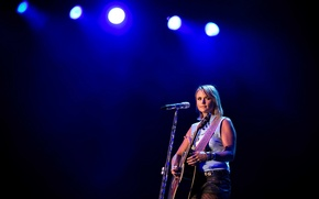 Picture country, singer-songwriter, American singer, Miranda Lambert, Miranda Lambert, Country Music Festival
