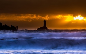 Picture sea, night, wave, lighthouse