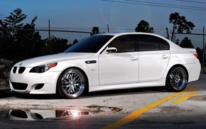 Picture road, white, markup, bmw, BMW, puddle, the fence, white, sedan, side view, e60, tinted
