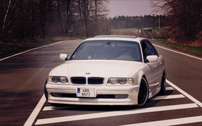 Picture road, lights, White, BMW, Boomer, BMW, before, White, E38, bimmer, 740i