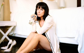 Picture pop music, Lily Allen, songwriter, English singer, Lily Rose Beatrice Cooper, electro-pop, alternative pop, reggae …