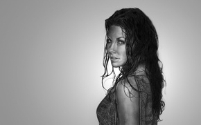 Picture girl, Evangeline Lilly, light background, wet hair, Evangeline Lilly