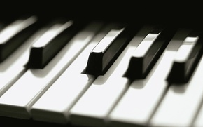 Picture keys, piano, black and white