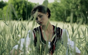 Picture nature, brunette, meadow, costume
