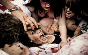Picture girls, blood, fight