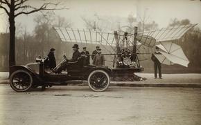 Picture the plane, people, car, Santos Dumont, Brazilian Aviator