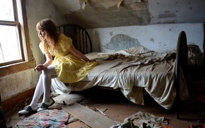 Picture girl, room, bed