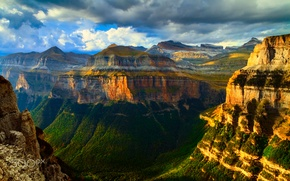Picture light, mountains, rocks, canyon